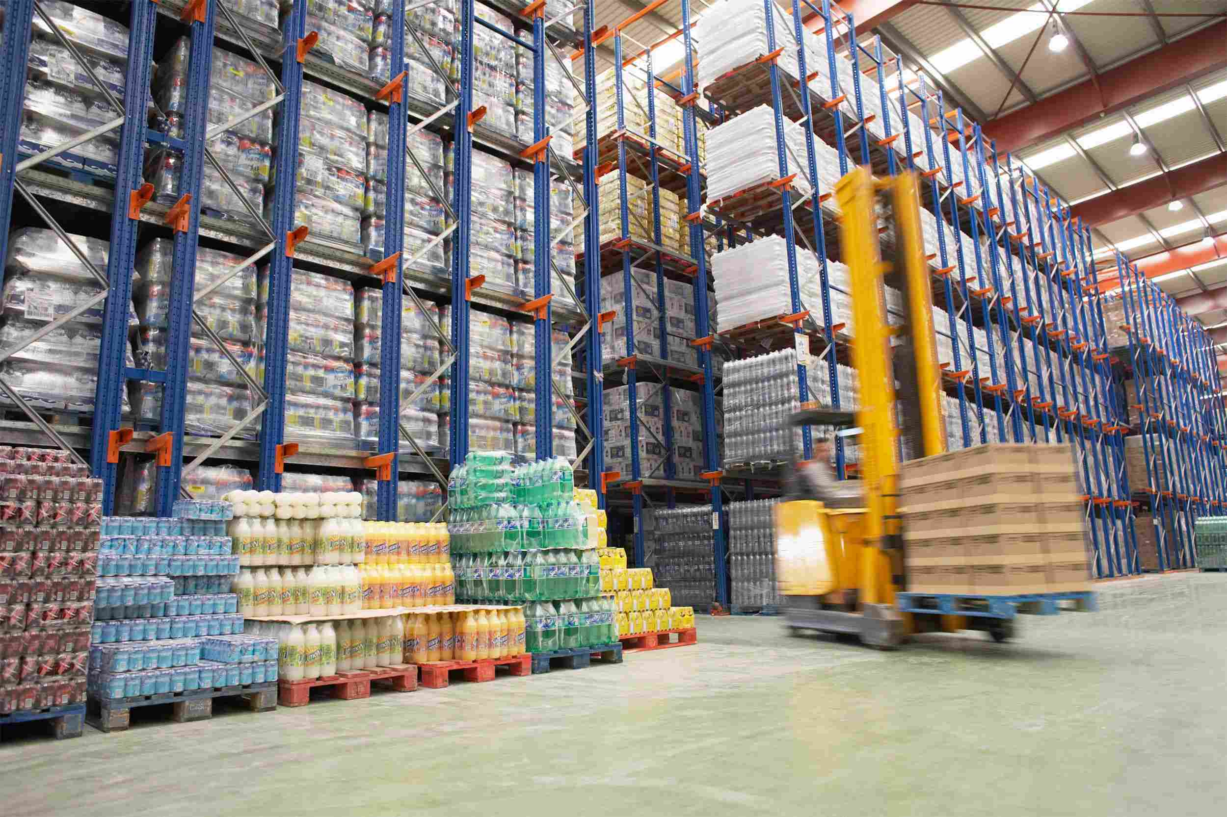 https://balistlogistic.com/wp-content/uploads/2015/09/Warehouse-and-lifter.jpg